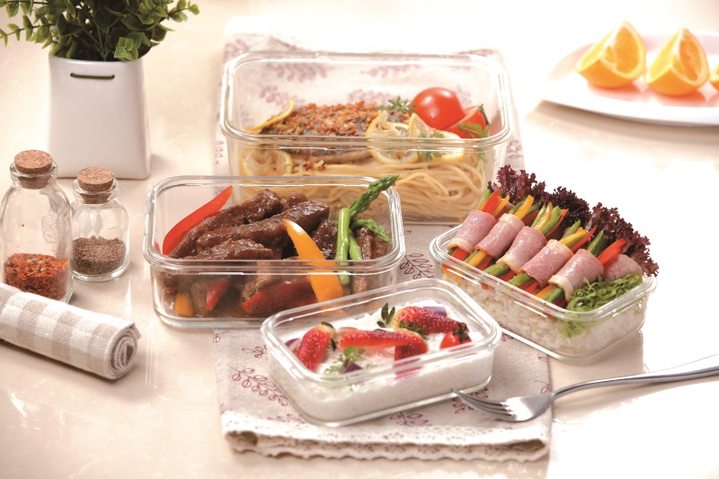easylock food container in microwave